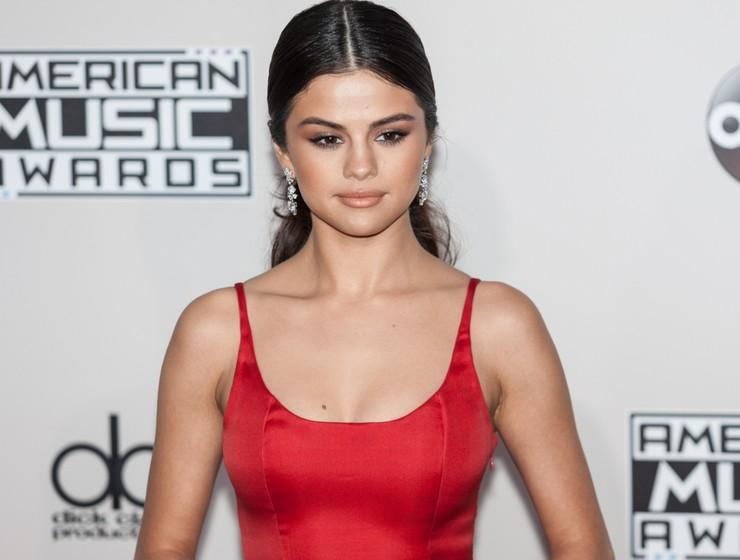 selena gomez na american music awards